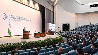 لقاء بين الرئيس الأوزبكي شوكت ميرزيوييف ورجال الأعمال المحليين