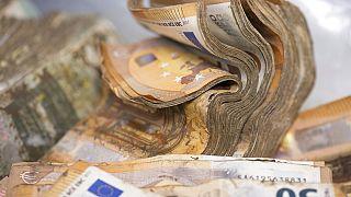 Almanya'daki sel felaketinde kirlenen banknotlar