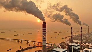 Erőmű a Jance folyó partján Kínában. Kína bocsájtja ki a világon a legtöbb üvegházhatású gázt