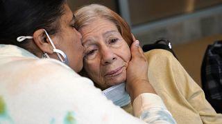 Demenzkranke mit ihrer Tochter in New York