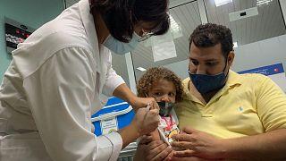 بدء تطعيم الأطفال في كوبا
