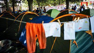 چادرهای پناهجویان در پاریس (عکس تزئینی است)