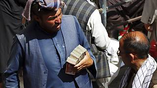 Afganistan'da kara borsada doviz değişimi