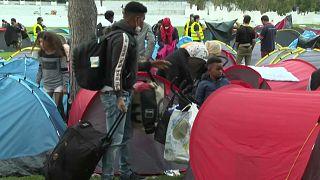 Parigi, sgomberato il campo profughi davanti alla Prefettura