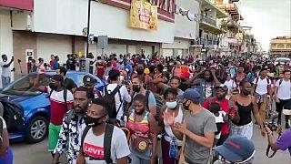 Una nueva caravana de migrantes centroamericanos sale de Tapachula, México