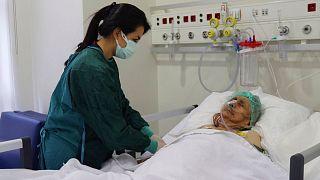 زن ۱۱۶ ساله در ترکیه از «کووید ۱۹» بهبود یافت