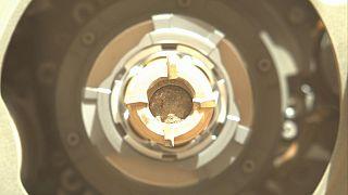 Imagen de la roca perforada publicada por la NASA