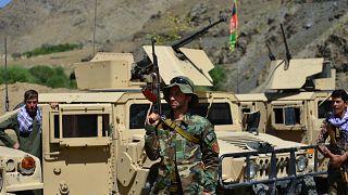 Afganistan'ın Pencşir kentinde konuşlu, Taliban karşıtı Ulusal Direniş Güçleri'ne mensup bir savaşçı