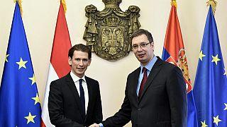 Avusturya Şansölyesi Sebastian Kurz ve Sırp Cumhurbaşkanı Aleksandar Vucic (sağda)