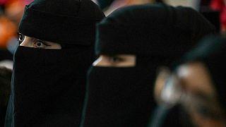 Afganistan'da Taliban'dan kadınlara örtünme talimatı