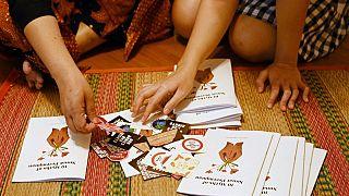 Singapur'da kadın sünneti konusunda bilgilendirici kitapçıklar (arşiv)