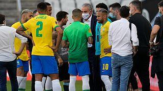 دیدار جنجالی برزیل و آرژانتین نیمهکاره رها شد