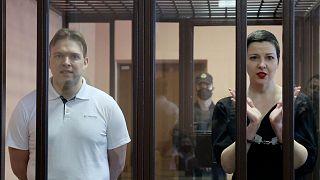 Belarus'ta Lukaşenko karşıtı gösterilerin düzenlenmesine öncülük eden isimlerden Maria Kolesnikova 11,  Maxim Znak da 10 yıl hapis cezasına çarptırıldı