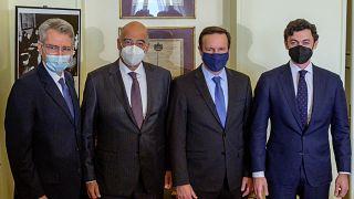 Νίκος Δένδιας με τους Αμερικανούς γερουσιαστές Κρις Μέρφι και Τζον Όσοφ