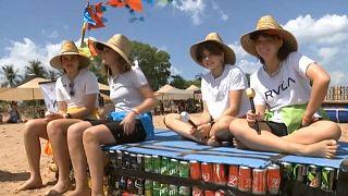 سباق القوارب المصنعة من علب البيرة الفارغة في أستراليا