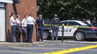 Adının Byran James Riley olduğu belirlenen 33 yaşındaki eski keskin nişancı ABD Florida'da 4 kişiyi öldürdü.