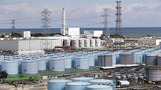 Fukuşima Daiçi nükleer tesisinde atık su depolayan tanklar