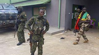 Gine'de askeri cunta