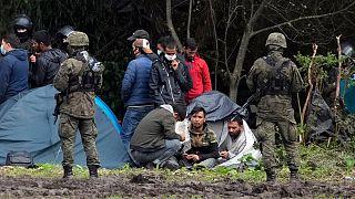 Rendkívüli állapot lép életbe Lengyelország egyes részein a migráció miatt