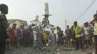 DR Congo: rubbish bins inspire Kinshasa performers