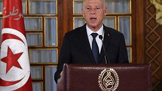 الرئيس التونسي قيس سعيد خلال كلمة في قصر قرطاج في تونس.