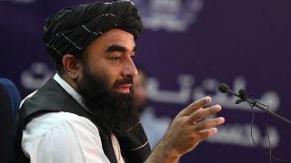 Les talibans présentent leur gouvernement provisoire, 100% masculin, dominé par les Pachtounes