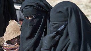Suriye'de kamplarda tutuklu kalan IŞİD üyeleri