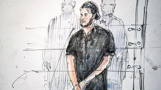 طرحی از حضور صلاح عبدالسلام، متهم اصلی حملات تروریستی سال ۲۰۱۵ پاریس در دادگاه