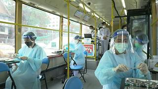 تايلاند تفتتح مركز تطعيم متنقل