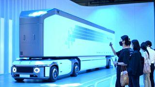 هيونداي تعرض شاحنة تعمل بوقود خلايا الهيدروجين