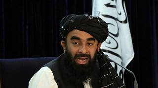 المتحدث باسم الحكومة الأفغانية ذبيح الله مجاهد