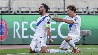 Ο Μπακασέτας πανηγυρίζει το πρώτο γκολ της Εθνικής Ελλάδας