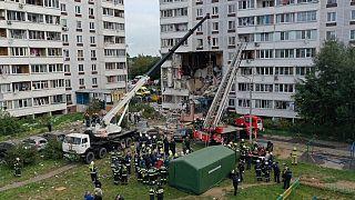 Разбор завалов на месте взрыва в жилом доме в Ногинске