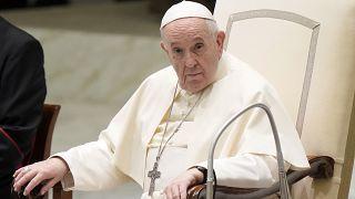البابا فرانسيس في قاعة بولس السادس بالفاتيكان