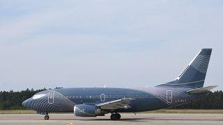 طائرة تقل منتخب ألمانيا لكرة القدم في مطار نورمبرغ، ألمانيا.