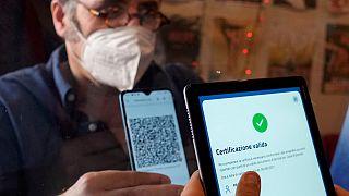 Parlamento italiano aprova certificado covid