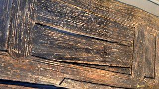 یک قطعه چوب باستانی حفظ شده در زیر آب متعلق به قرن ۴ پیش از میلاد در روم باستان. عکس: آرشیو
