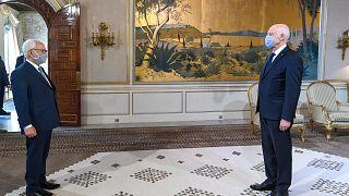 الرئيس التونسي قيس سعيد يستقبل رئيس مجلس النواب راشد الغنوشي في القصر الرئاسي بقرطاج شرق العاصمة تونس/ أرشيف.