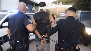 القوات الإسرائيلية لحظة اعتقال الفلسطيني زكريا الزبيدي الذي فرّ وخمسة أسرى آخرون من سجن جلبوع