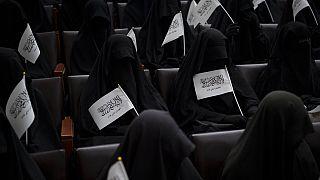 Manifestación de mujeres a favor de los talibanes
