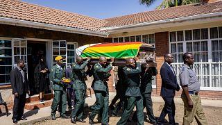 Zimbabwe : l'exhumation du corps de Robert Mugabe divise