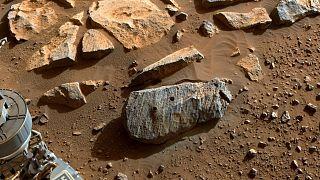 نمونهبرداری کاوشگر «پشتکار» از سنگها در مریخ