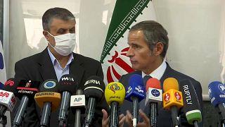 Irán beleegyezett, hogy az ENSZ ellenőrei új memóriakártyákat helyezzenek el az atomlétesítményekben