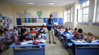 Milli Eğitim Bakanı Özer: Covid-19 döneminde en son kapatılacak yerler okullar