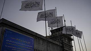 Aterriza el primer vuelo internacional desde que los talibanes retomaron el poder en Afganistán