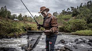 Kenya : la pêche à la mouche, un vestige de l'ère coloniale