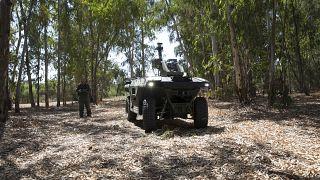 عربة - روبوت - لمراقبة الحدود في إسرائيل