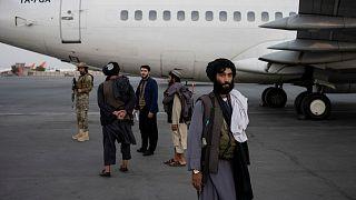 شبه نظامیان طالبان در فرودگاه کابل