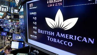 New York Menkul Kıymetler Borsası'nda işlem gören British American Tobacco'nun logosu (arşiv)