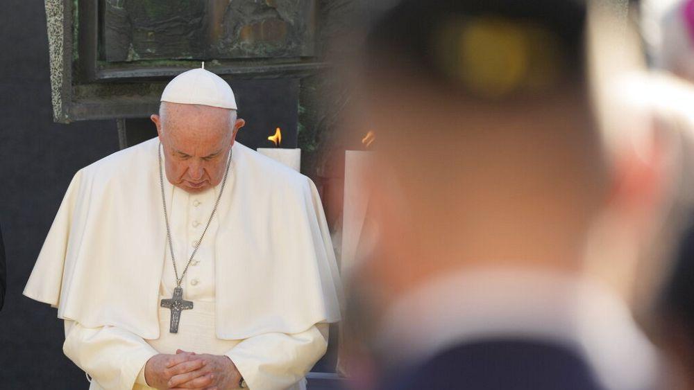 Szégyennek nevezte a holokausztot Ferenc pápa, elítélte az Isten nevében történő kegyetlenkedéseket